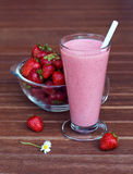 鸡尾酒健康人解决方法草莓 免版税库存照片