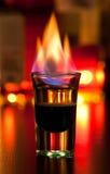 鸡尾酒发火焰 库存图片
