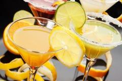 鸡尾酒果子玻璃汁液 免版税图库摄影
