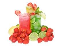 鸡尾酒果子造币厂的草莓 免版税库存图片