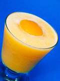 鸡尾酒汇集-桃子和橙色圆滑的人 免版税图库摄影