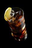 鸡尾酒用冰可乐威士忌酒 库存图片