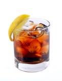 鸡尾酒用冰可乐威士忌酒 免版税图库摄影