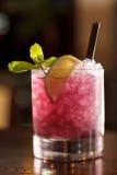 鸡尾酒用黑莓 库存图片