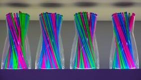 鸡尾酒的秸杆秸杆 秸杆棍子的混杂的颜色 免版税图库摄影