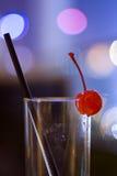 鸡尾酒空的玻璃 免版税库存照片