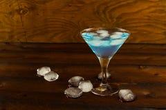 鸡尾酒蓝色玛格丽塔酒 免版税图库摄影