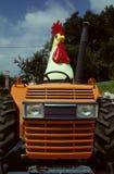鸡拖拉机 免版税库存照片