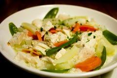 鸡春天炖煮的食物蔬菜 库存图片