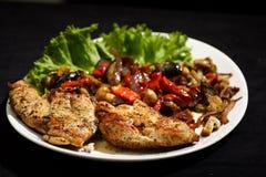 鸡炸锅烤蔬菜 库存照片