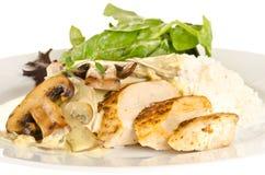 鸡用乳脂状的蘑菇酱油 免版税库存照片
