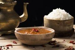 鸡科尔马咖喱和米 免版税库存图片