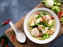 鸡绿色咖喱传统泰国食物 图库摄影