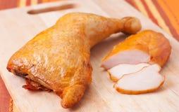 鸡肉抽烟了 免版税库存图片