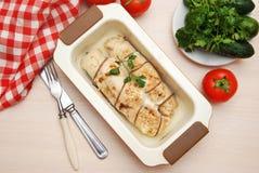 鸡胸脯滚动的被充塞的被烘烤的自创饮食食物晚餐Chiken乳房肉 免版税库存图片