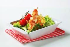 鸡蔬菜沙拉串 免版税库存图片