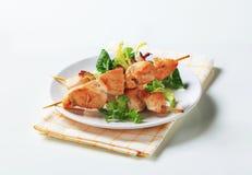 鸡蔬菜沙拉串 图库摄影