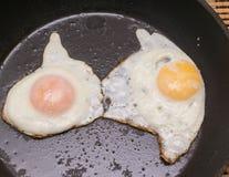 鸡蛋油煎了二 库存图片