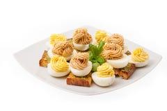 鸡蛋用装饰的蛋黄酱 库存图片