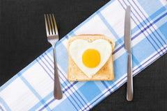 鸡蛋的晴朗侧 免版税库存图片