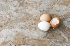 鸡蛋顶视图在碗的 库存图片