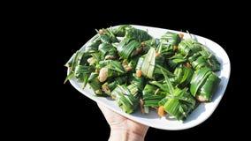 鸡被包裹的pandan未加工油煎的泰国食物有截去的p 免版税库存照片
