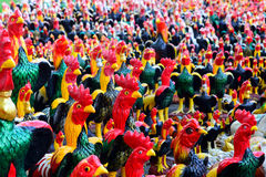 鸡许多雕象  库存照片