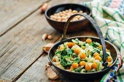 鸡豆和菠菜咖喱 免版税图库摄影
