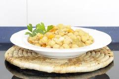 鸡豆炖煮的食物 免版税库存照片