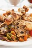 鸡采蘑菇串蔬菜 库存图片