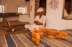 鸦片在Bishnoi的水仪式 图库摄影