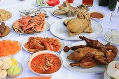 鸭子和食物许多 免版税库存图片