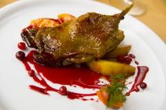 鸭子油煎的熟悉内情的蔬菜 库存图片
