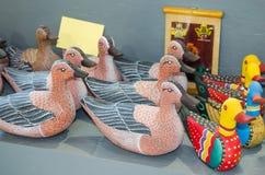 鸭子由木头制成 免版税库存照片