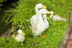 鸭子雕象 免版税图库摄影