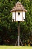 鸽房装饰庭院家具 免版税库存照片