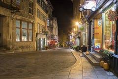 鹅卵石云香小的Champlain在魁北克市,加拿大在晚上 免版税库存照片