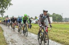 鹅卵石路的-环法自行车赛细气管球2014年 免版税库存图片