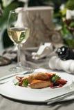 鹅肝用酸果蔓酱和酒 图库摄影