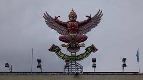 鹰记航空公司雕象,状态标志泰国皇家 库存照片