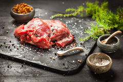 鹿或鹿肉烘烤 库存图片
