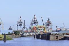 鹿特丹,荷兰集装箱码头港  免版税库存图片