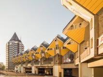 鹿特丹,荷兰- 2018年5月31日:求房子Kubuswoningen -城市的立方多数偶象吸引力 建筑师掀动了传统, 图库摄影