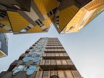 鹿特丹,荷兰- 2018年5月31日:求房子Kubuswoningen -城市的立方多数偶象吸引力 建筑师掀动了传统, 库存图片