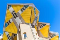 鹿特丹,荷兰-, 2018年:立方体房子在鹿特丹,荷兰 著名旅游地标在南荷兰省 库存图片