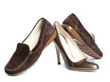 鹿皮鞋和法院鞋子-标准妇女的鞋子没有名字 免版税库存图片