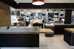 麦克唐纳餐馆内部 图库摄影