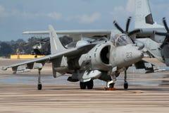 麦克当诺道格拉斯公司AV-8B猎兔犬II跃迁喷气机 免版税库存照片