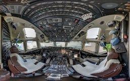 麦克当诺道格拉斯公司MD-87飞机座舱 免版税库存照片