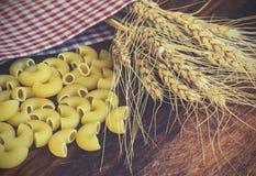 麦子和面团的耳朵 免版税库存图片